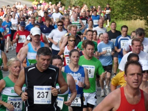 Me in a crowd of runners at the start of the Jelly Tea 10 mile race